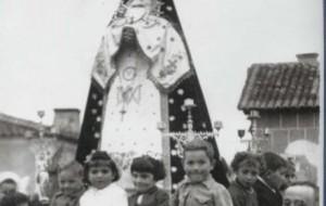Niños en el carro. Año 1954